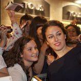 Blanca Suárez con unas fans