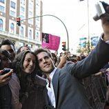 Marc Clotet con una fan