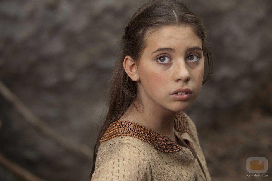 Skye Bennett interpreta a Martha de joven