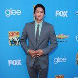 Harry Shum Jr. en el preestreno de 'Glee'