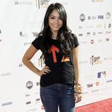 Vanessa Hudgens en 'Stand Up to Cancer'