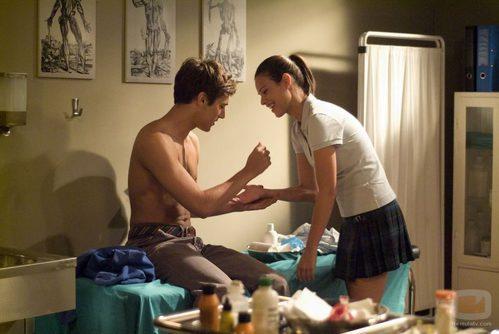 Marcos y Amaia en la enfermería