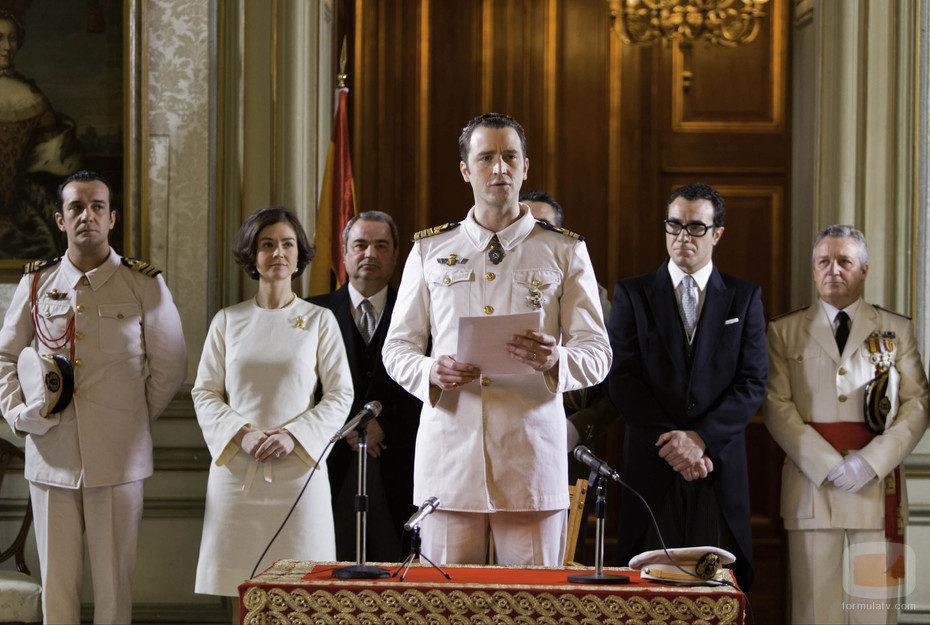 El Rey Juan Carlos da un discurso