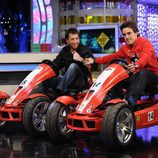 Pablo Motos y Fernando Alonso, subidos en un car