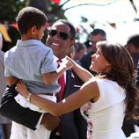 El presidente Martinez con su esposa e hijo