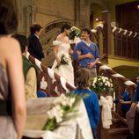 Iván acompaña a María al altar