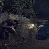 Garrido en la tumba para el cadáver que ha matado