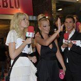 Belén Esteban saluda a sus fans
