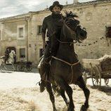 César Bravo a caballo
