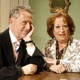 Los actores Mary Carmen Ramírez y Manuel Galiana, como Paca y Natalio en 'Escenas de matrimonio'