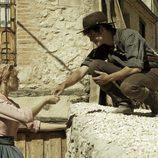 Román paga a Elena