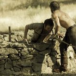 César saca a Román del pozo
