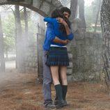 Iván y Julia se abrazan