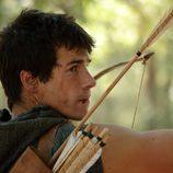 Paulo (Juan José Ballesta) prepara su arco