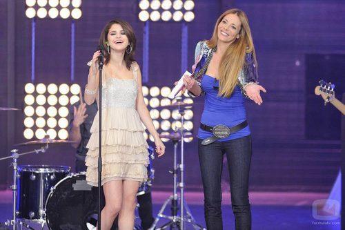 Selena Gomez, junto a Paula Vázquez