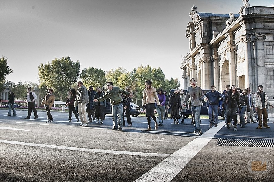 Los Zombies Llegan A La Puerta De Alcal Fotos Formulatv