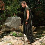 Héctor (Pablo Derqui) en el rio