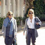 María Teresa Campos y Terelu en el velatorio de Paco Marsó