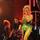 Kesha se pone las pinturas de guerra en los MTV EMA