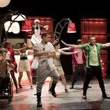 Los alumnos del Zurbarán bailando