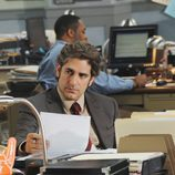 Michael Imperioli como Louis Fitch