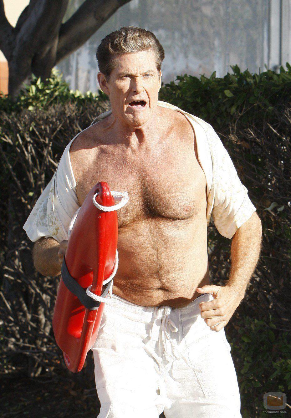 David Hasselhoff sin camiseta