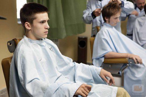 Carlos Alcántara en la peluquería