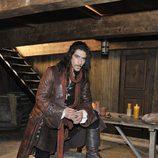 Óscar Jaenada es miembro de la nobleza en 'Piratas'