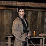 Miguel Ortiz es un sastre portugués en 'Piratas'