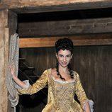 Xenia Tostado es una auténtica seductora en 'Piratas'