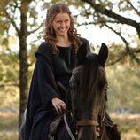 Helena (Manuela Vellés), a caballo
