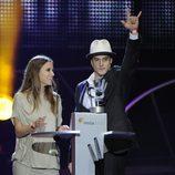 Ana Fernández y Luis Fernández en los Premios 40 Principales 2010