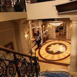 Hall principal desde la escalinata en 'La República'