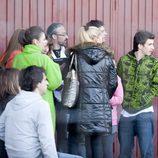 Belén Esteban con algunos de los actores de 'Aída'