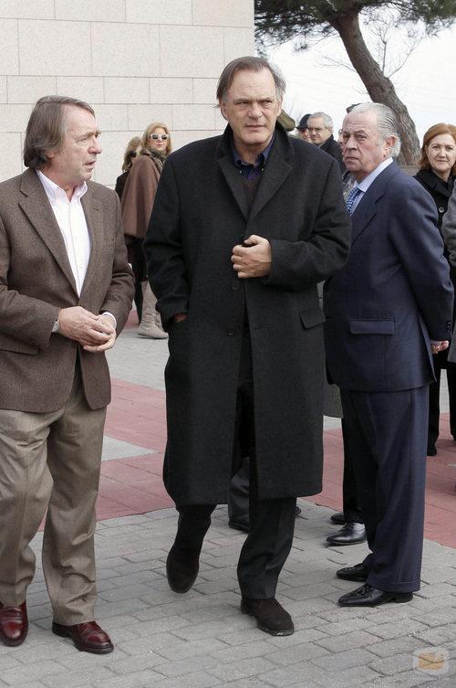 Pedro Piqueras en el tanatorio por Luis Mariñas
