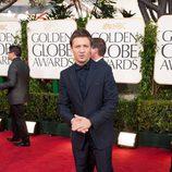 Jeremy Ranner en los Globos de Oro 2011