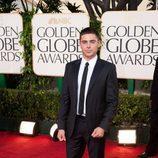 Zac Efron en los Globos de Oro 2011