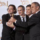 Director y actores de la mini serie 'Carlos'