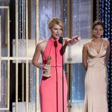 Claire Danes celebra su Globo de Oro como mejor actriz de mini serie