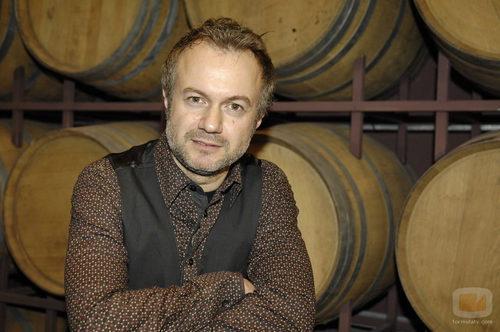 Tristán Ulloa es Miguel Cortázar en 'Gran reserva'