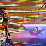 Berta y Patricia le cantan una canción Ángel Martín