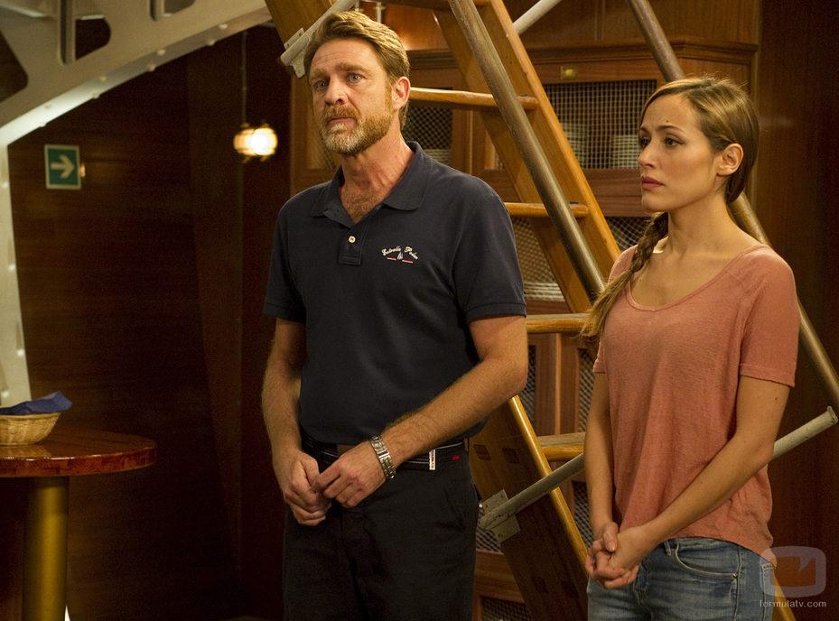 El capitán Montero y la científica Wilson