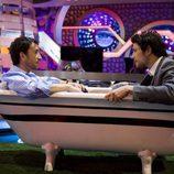 Matt Dallas con Pablo Motos en una bañera