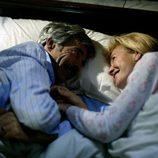 Antonio y Merche en la cama en 'Cuéntame cómo pasó'