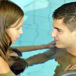 Ana Fernández y Maxi Iglesias en bañador