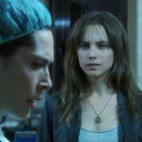 Valeria, junto a su madre en 'Ángel o demonio'