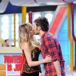 El beso de Dani Martínez y Anna Simón