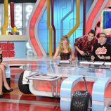 Romina Belluscio y el trío de presentador
