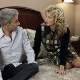 Mercedes habla en la cama con Antonio