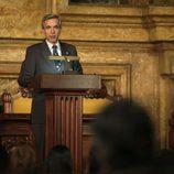 Antonio da un discurso